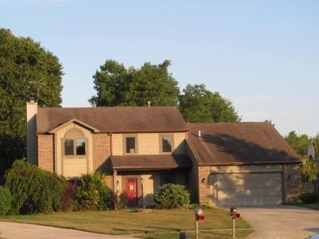 2120 Canyon Dr, Kendallville, IN 46755