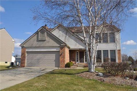 1696 Grandview Dr, Rochester Hills, MI 48306