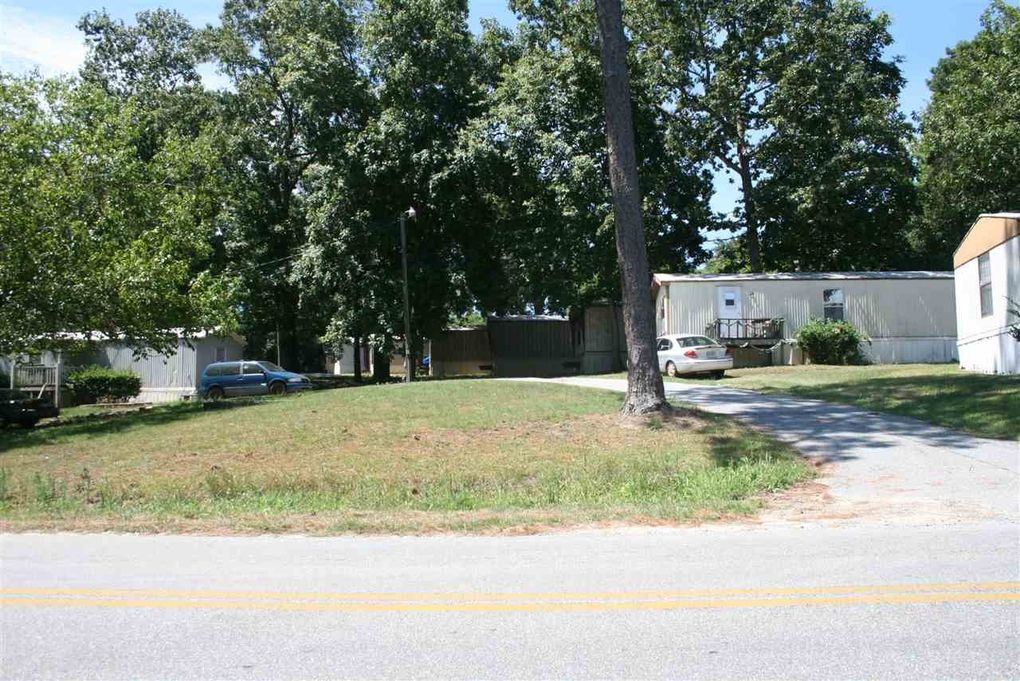 905 Collins Ave Centerville GA 31093