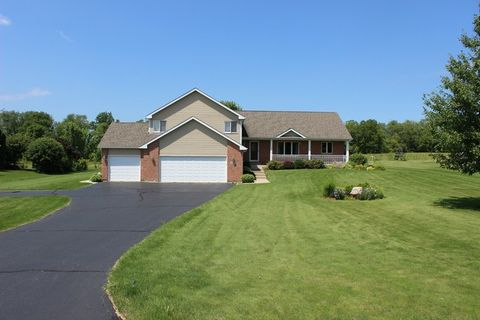 4910 Patty Ln, Ringwood, IL 60072