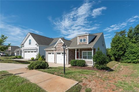 Photo of 25374 Seagull Dr, Lancaster, SC 29720