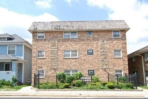 205 Circle Ave Apt 3 C, Forest Park, IL 60130