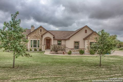 Photo of 16010 Lake Shore Dr, Lytle, TX 78052