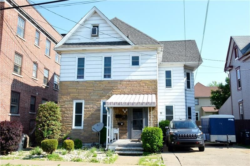 428 New Castle St City of But Northwest, PA 16001