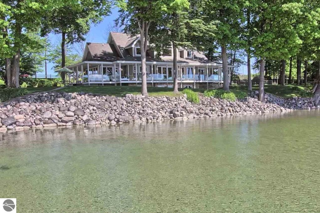 elk rapids singles Elk rapids real estate listings include condos, townhomes, and single family homes for sale  commercial properties are also available if you see a property elk rapids real estate agent to arrange a tour today.