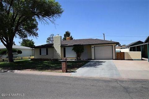125 Navajo Dr, Winslow, AZ 86047