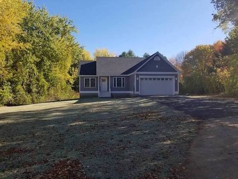 Photo of 36 Hooper Sands Rd, South Berwick, ME 03908
