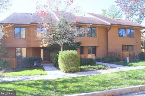 Photo of 46 Sayre Dr, Princeton, NJ 08540