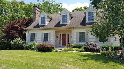 214 Estate Dr, Chester, IL 62233