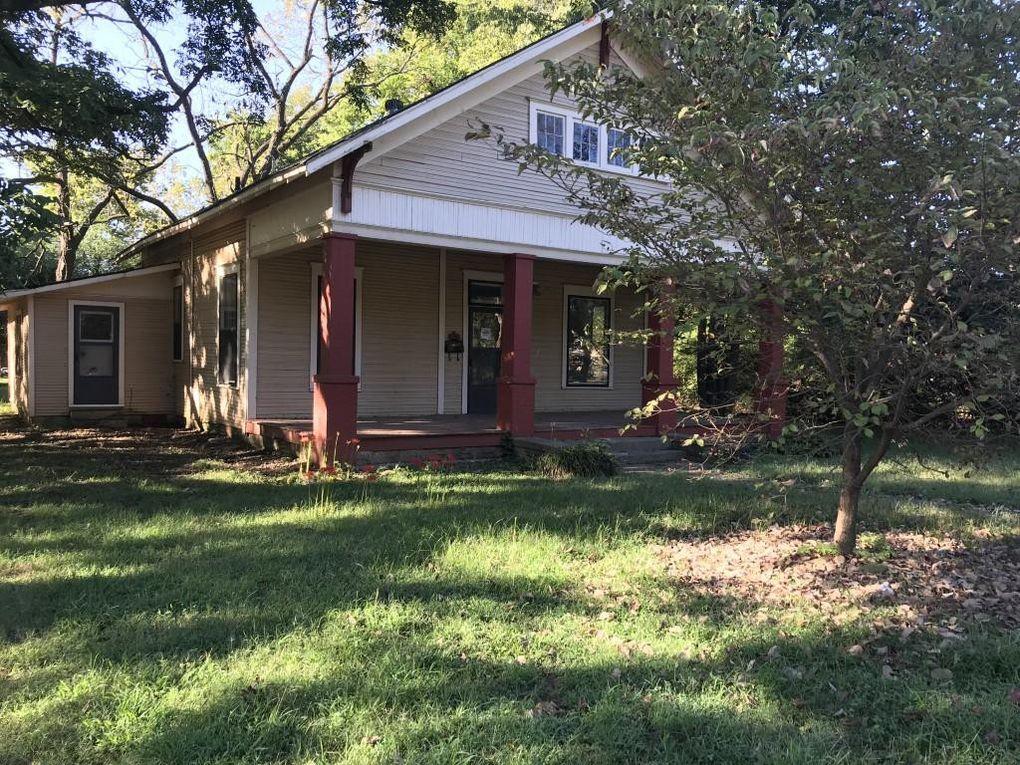 415 W McKennon St Clarksville, AR 72830