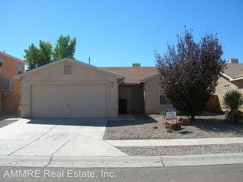 Photo of 6104 Sunray Rd Nw, Albuquerque, NM 87120