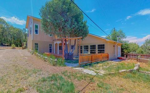 Photo of 17 Amber Ln, Tijeras, NM 87059