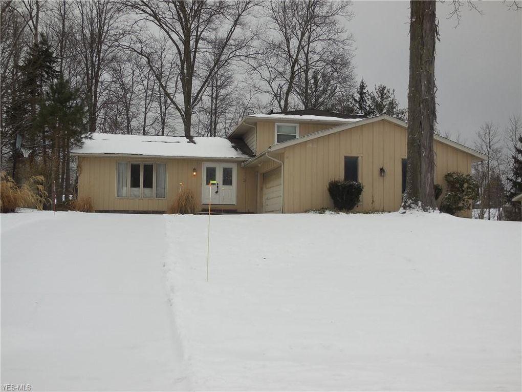 37475 Hunters Ridge Rd, Solon, OH 44139