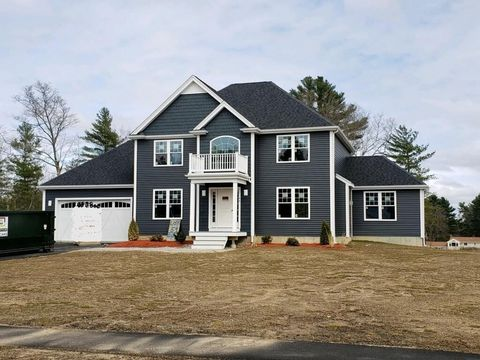 Photo of 44 Waterford Cir, Dighton, MA 02715