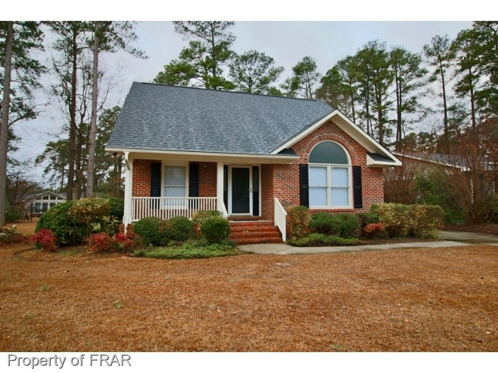 2548 Painters Mill Dr, Fayetteville, NC 28304