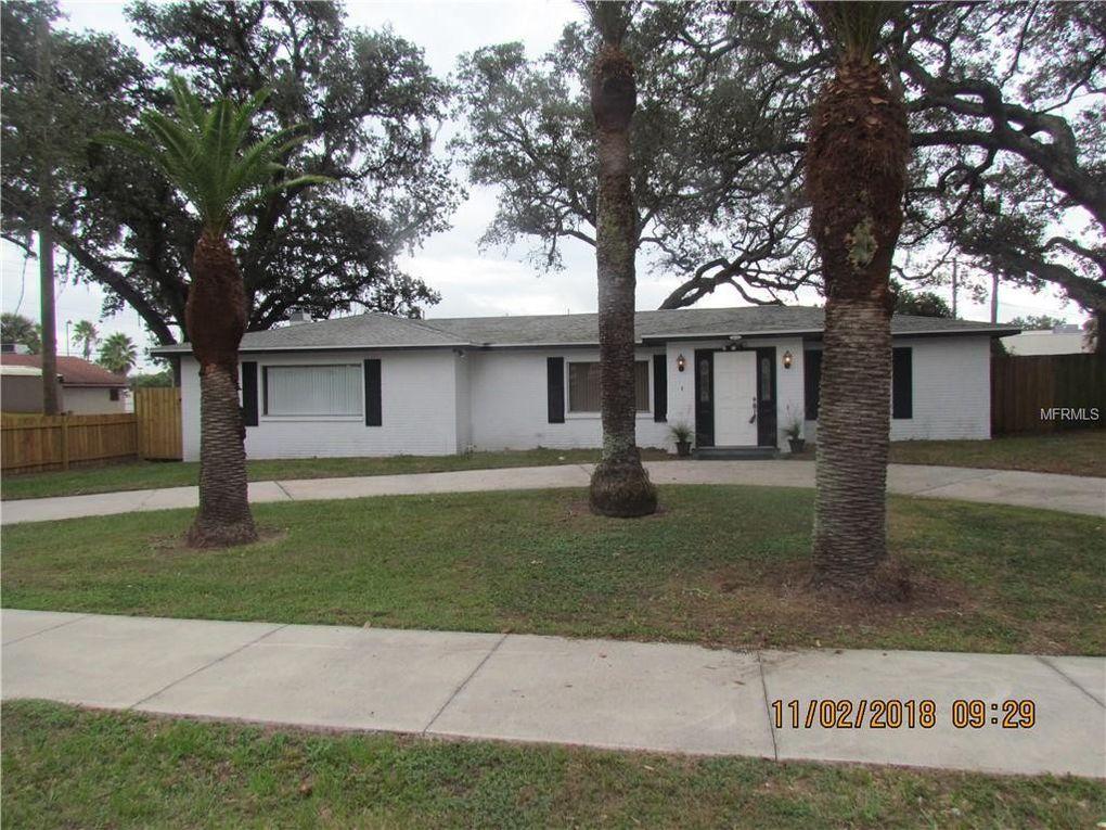 8745 Overlook Dr, Temple Terrace, FL 33617