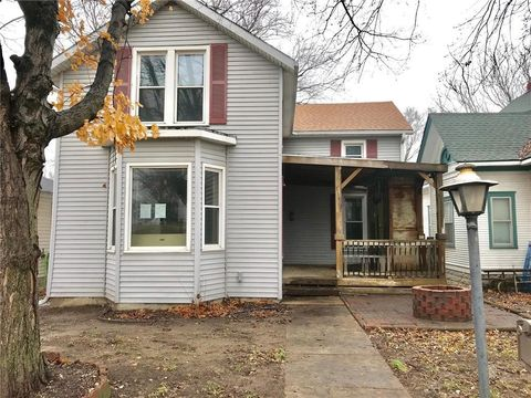1131 Parallel St, Atchison, KS 66002