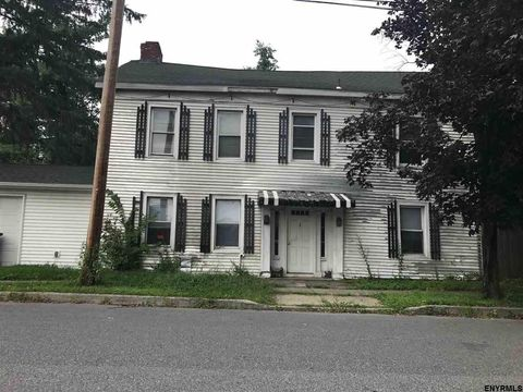 13 Major Dickinson Ave, Stillwater, NY 12170