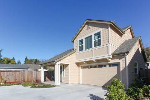 Photo of 2702 Hardies Ln, Santa Rosa, CA 95403