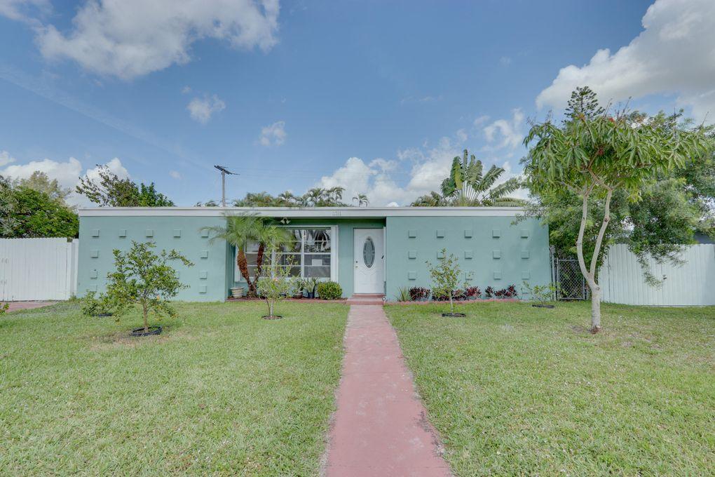 11793 Oleander Dr Royal Palm Beach, FL 33411