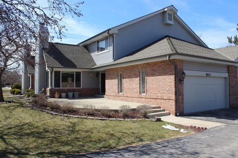 New Berlin, WI Waterfront Homes for Sale - realtor.com®