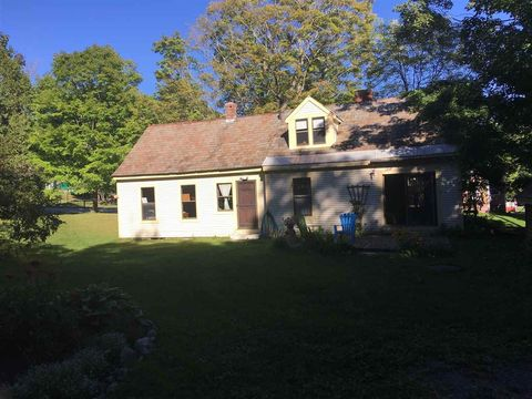 Photo of 8 South St, Middletown Springs, VT 05757