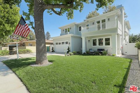 Photo of 7835 Henefer Ave, Los Angeles, CA 90045