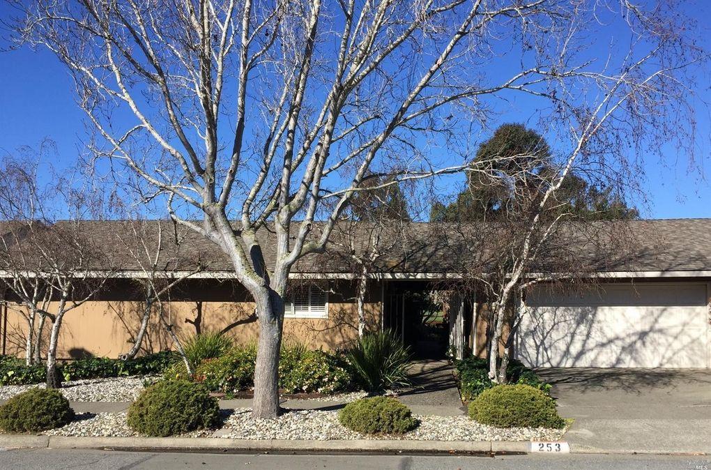 253 Riviera Dr, San Rafael, CA 94901