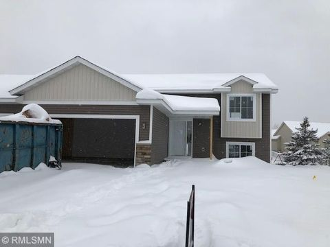 Photo of 827 Whiskey Rd Nw, Isanti, MN 55040