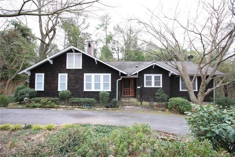 Photo of 36 Twin Circle Ln, Tryon, NC 28782