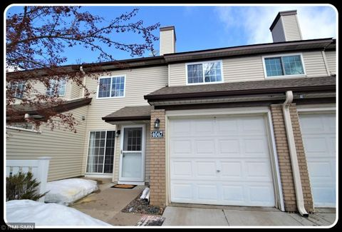Photo of 4047 Crystal Cir Unit 92, Shoreview, MN 55126
