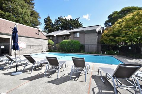 41 Willow Ln, Sausalito, CA 94965