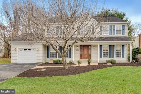 5008 Continental Dr, Olney, MD 20832