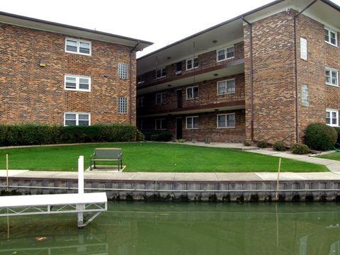 24 N Pistakee Lake Rd Apt 2 D, Fox Lake, IL 60020