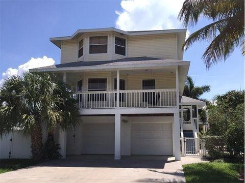 215 84th St, Holmes Beach, FL 34217