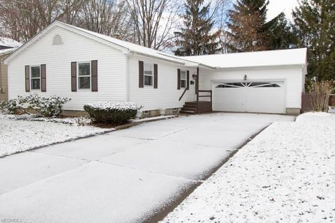 Photo of 356 Westview Ave, Hubbard, OH 44425