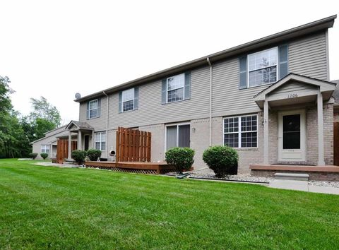 1206 Bay Ct Unit 15, Holly, MI 48442