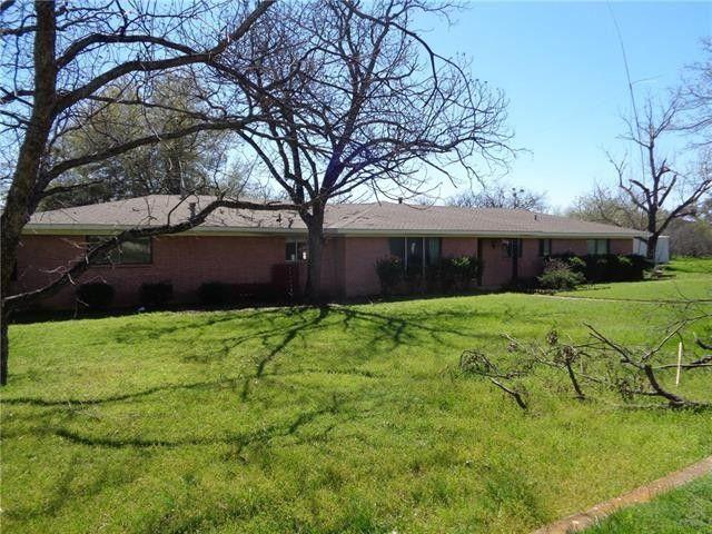 205 W Pedigo St Strawn, TX 76475