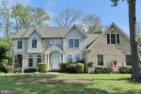 11645 Bachelors Hope Ct, Swan Point, MD 20645