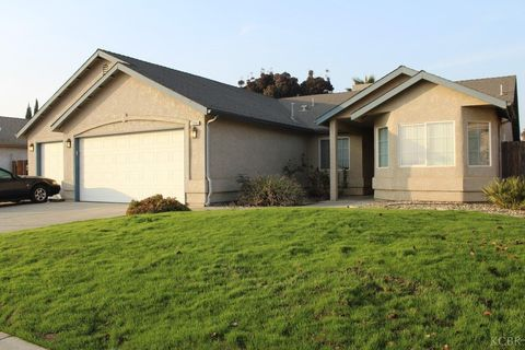 1254 W Cortner St, Hanford, CA 93230