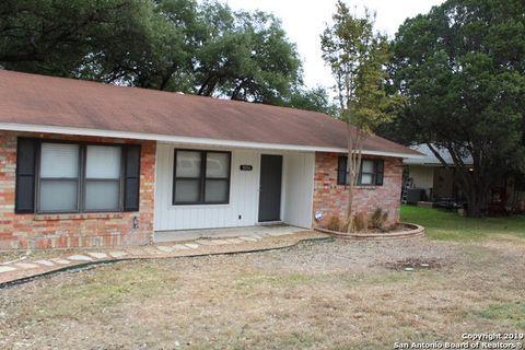 Photo of 1006 Wallahalla St, New Braunfels, TX 78130