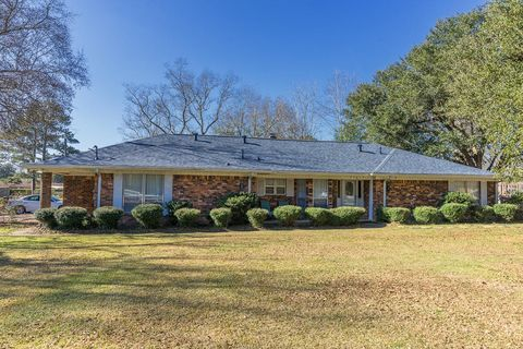 2809 Glendale Ave, Hattiesburg, MS 39401