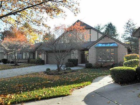 6745 Pine Creek Dr, Toledo, OH 43617