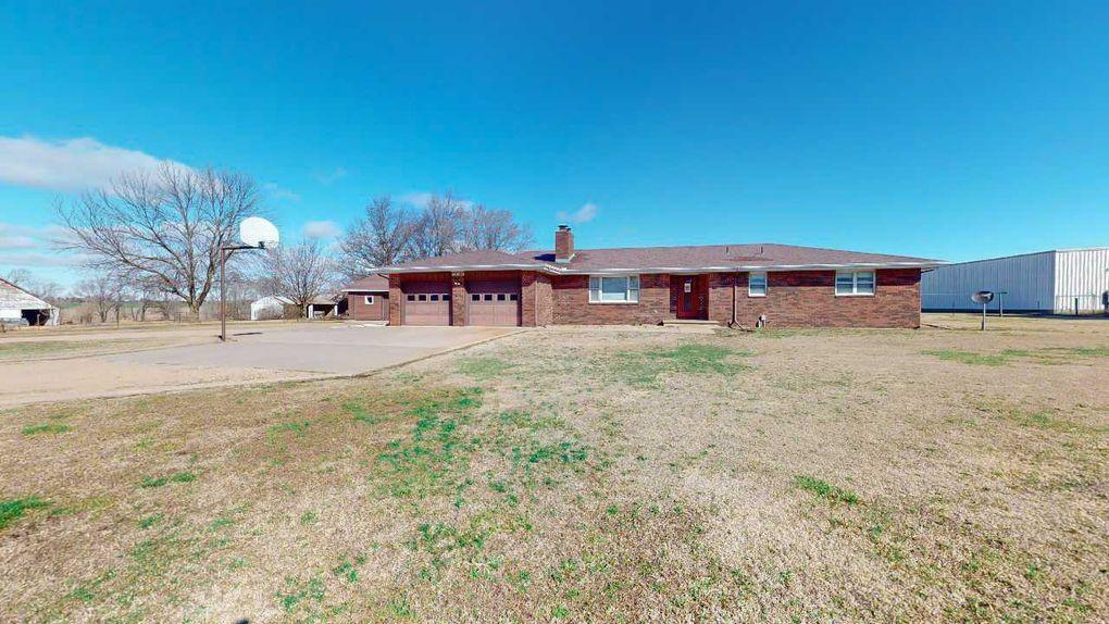 30504 W Harry St Garden Plain, KS 67050