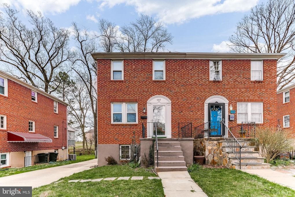 737 Westhills Pkwy, Baltimore, MD 21229