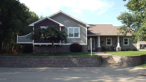 Photo of 302 Main Ave, Lake Norden, SD 57248