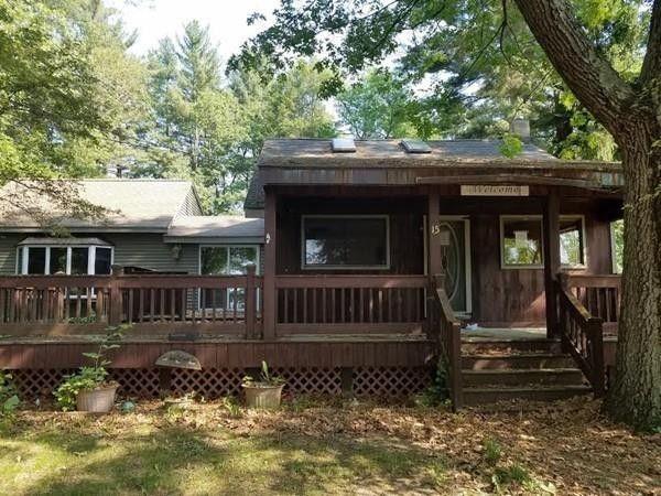 15 Pine Ln, Brookfield, MA 01506