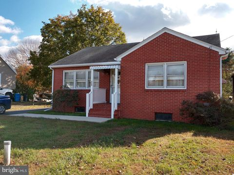 Photo of 220 E Main St, Sudlersville, MD 21668