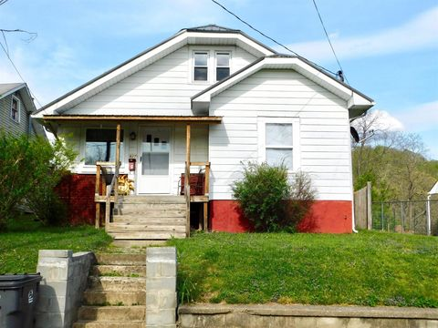 Photo of 527 Cantrill St, Irvine, KY 40336