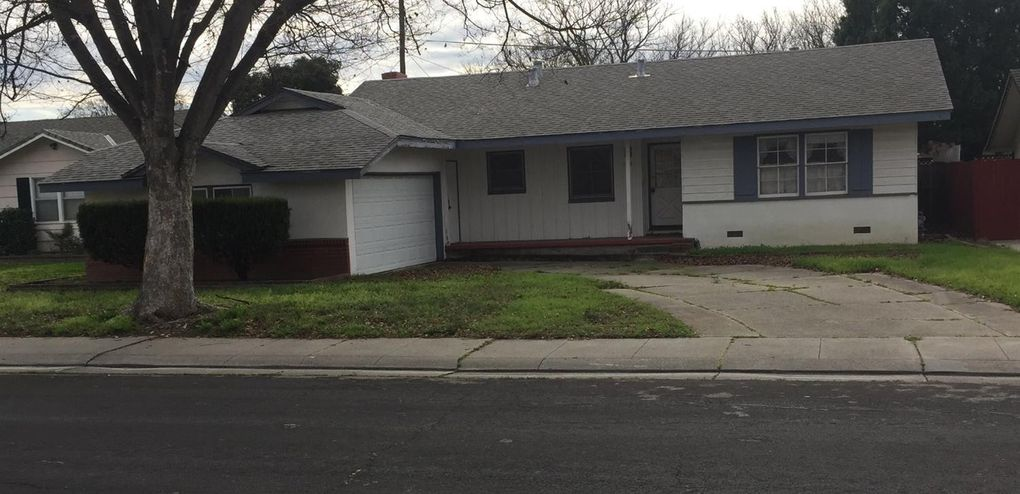1206 W Downs St, Stockton, CA 95207